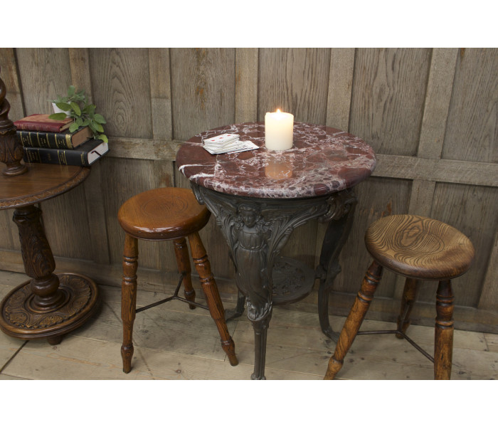 Traditional Cast Iron Pub Table