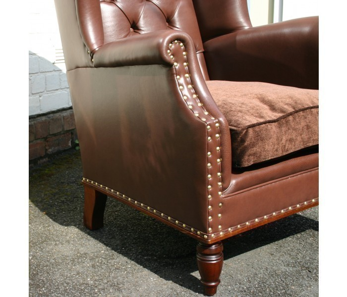 LAC04Y Peel Back button chair 1