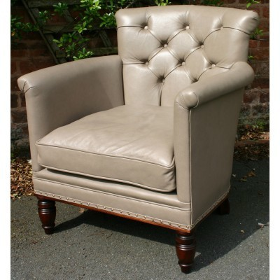 Russell buttoned back lounge chair 3
